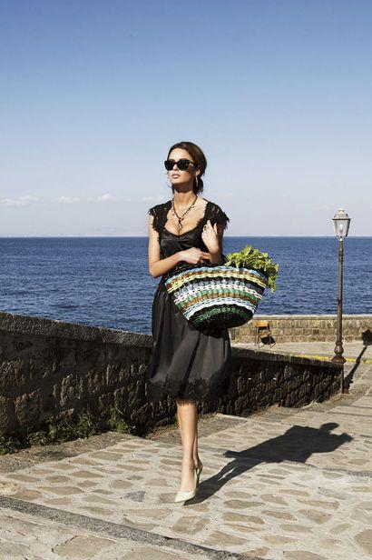 Andare al Mercato- on my way to the market. ...