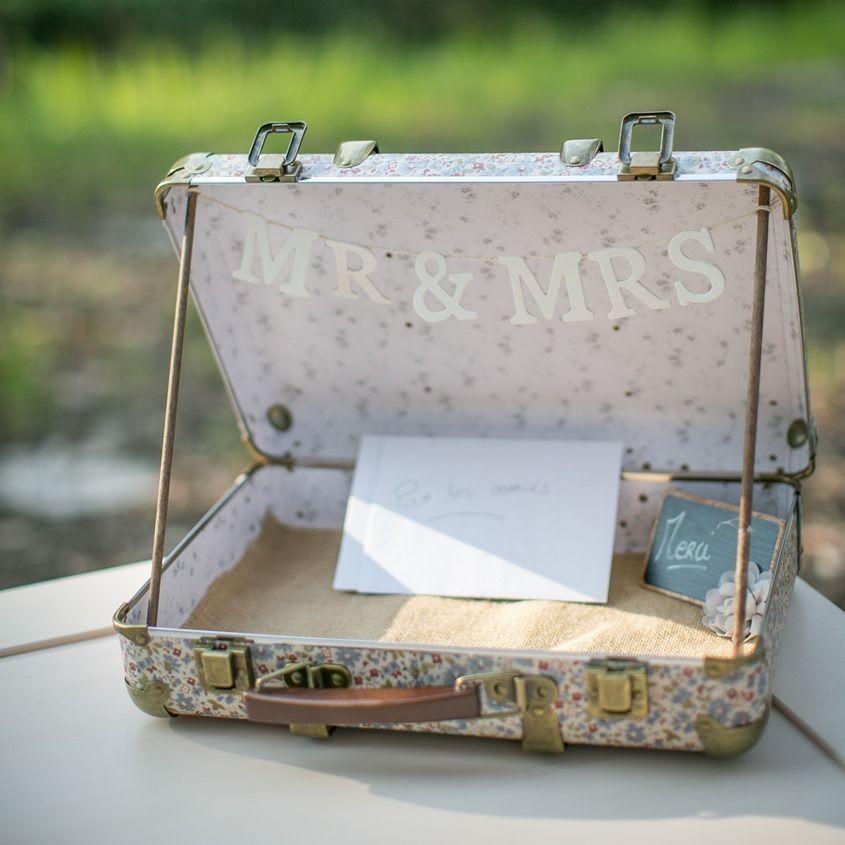 urne de mariage beige valise de mariage valise r tro mariage pour cartes et enveloppes. Black Bedroom Furniture Sets. Home Design Ideas