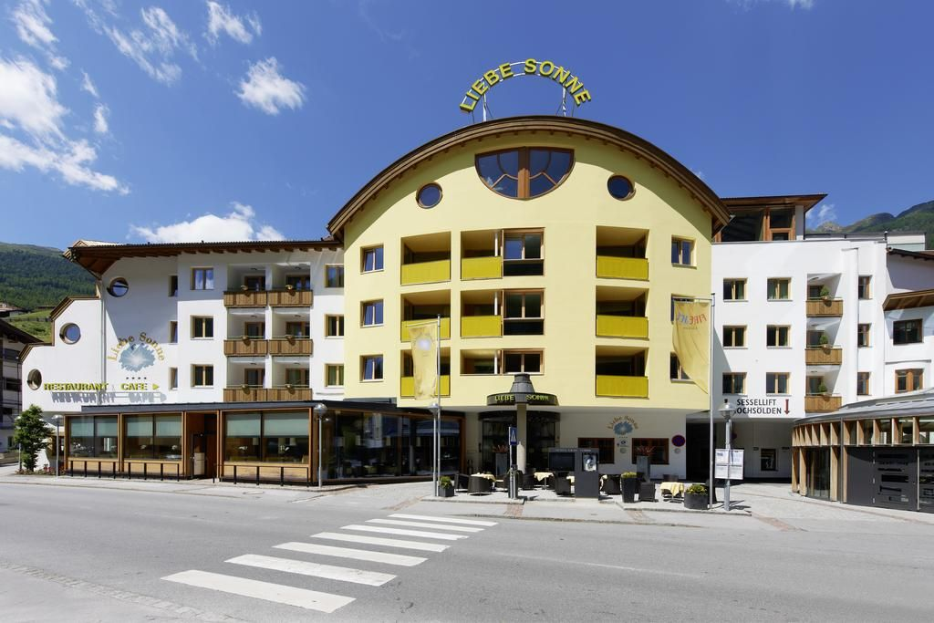 The Liebe Sonne is a 4star hotel in the center of Sölden