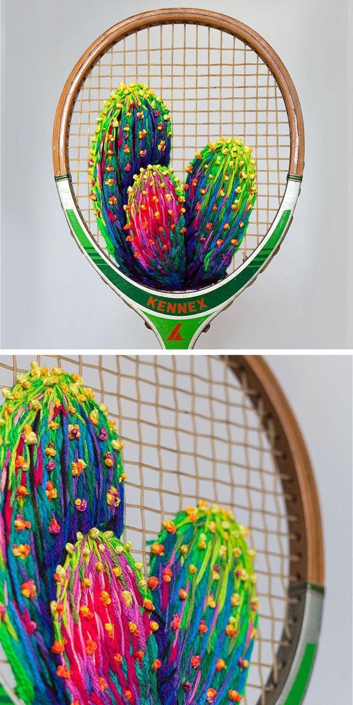 La broderie à la main unique transforme les raquettes en cadres pour fleurs   – Contemporary embroidery and fiber art