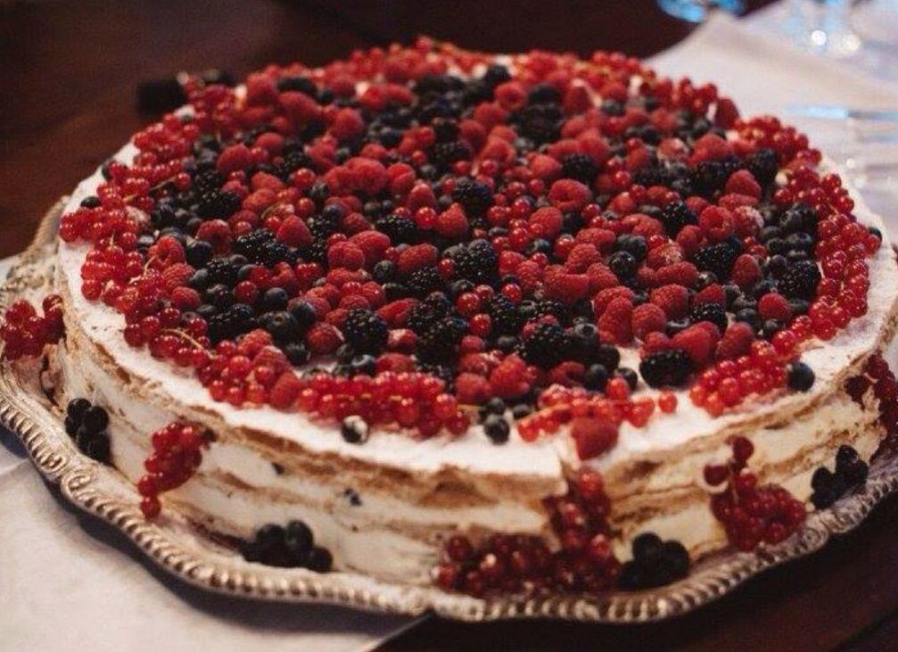 Italian Wedding Cake Millefoglie with berries for Wedding in