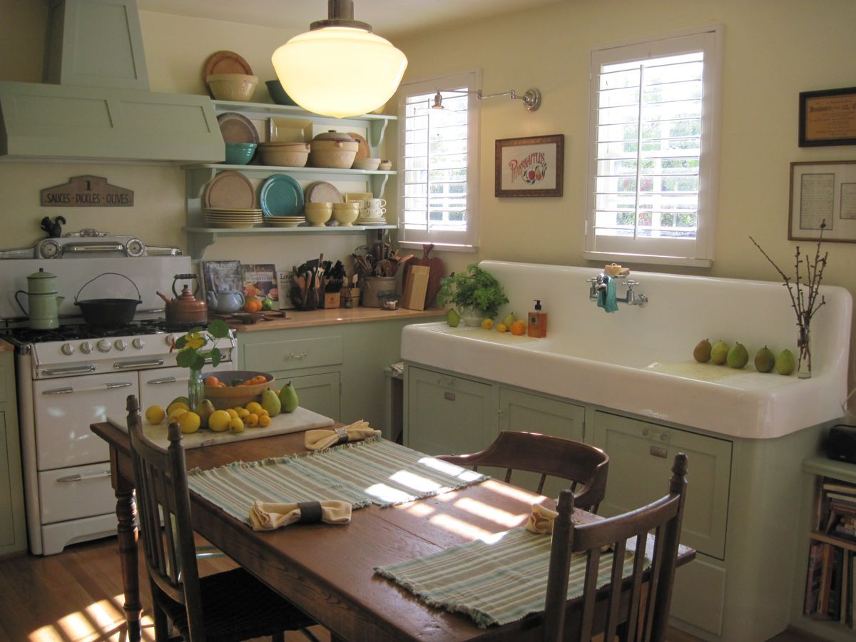This is so much like the old farm kitchen i grew up in for Old country style kitchen ideas