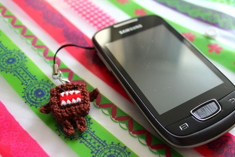 Domo mobile phone charm, made by me! For the pattern, check http://creacarmen.wordpress.com/2012/11/26/make-your-own-domo/