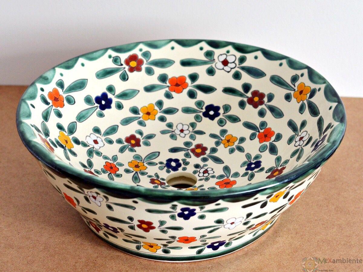 wunderschönes Waschbecken im Landhausstil aus Mexiko von Mexambiente Modell Floral in Deutschland bestellbar www.mexambiente-shop.com