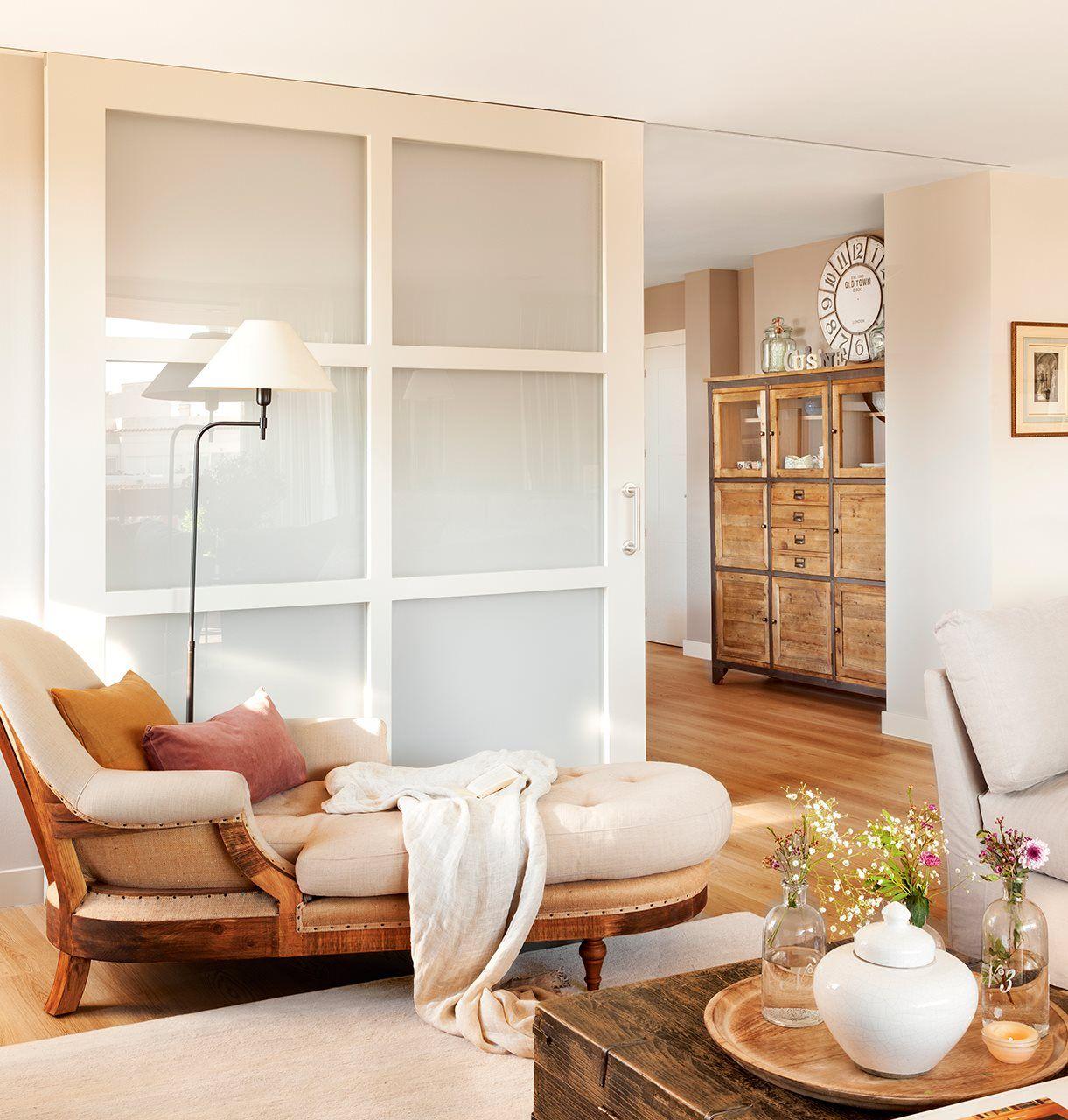 Consiguieron un piso m s amplio con correderas ateak for Puertas decorativas para interiores