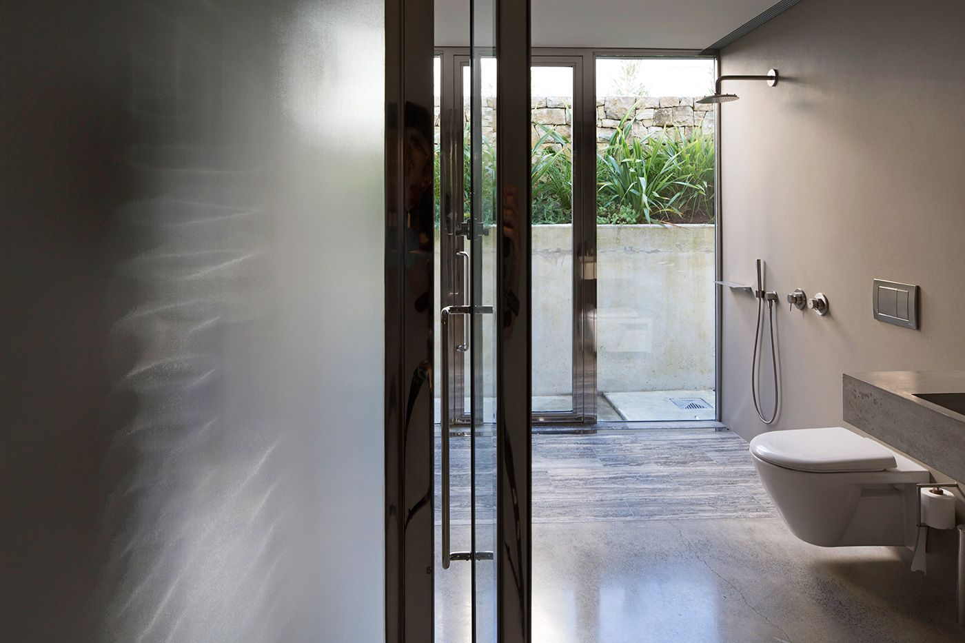 5 Bathrooms That Shun Clinical Clichés In Favour Of Rich Materials