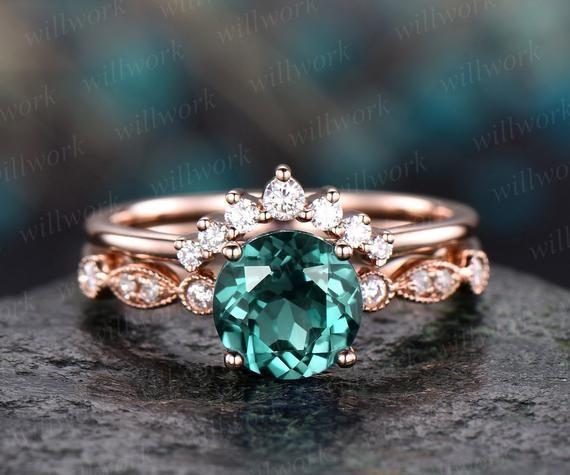 Emerald engagement ring set rose gold emerald ring vintage marquise diamond ring crown 2pc matching stacking wedding promise bridal ring set#2pc #bridal #crown #diamond #emerald #engagement #gold #marquise #matching #promise #ring #rose #set #stacking #vintage #wedding