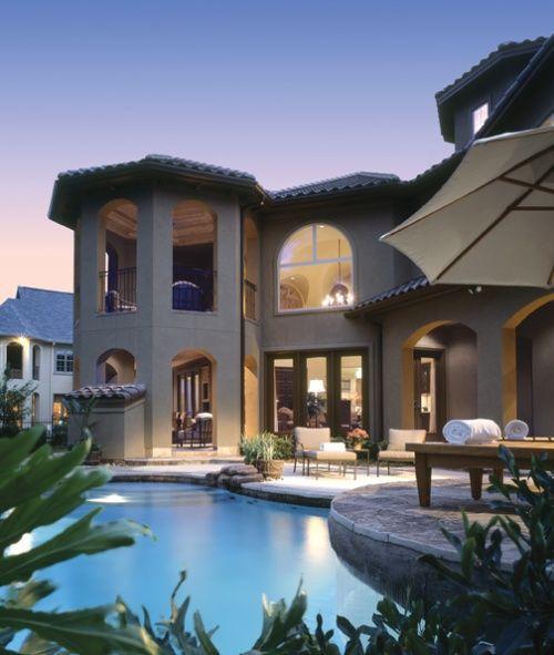 Outdoor Luxury Pool House: Outdoor Living Designs!