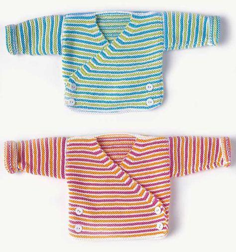 Schön gewickelt! | Damit kommt Ihr Baby groß raus: Wickeljacke, Schühchen und Mütze zum Selberstricken für Jungs und Mädchen. #crochetbabycardigan