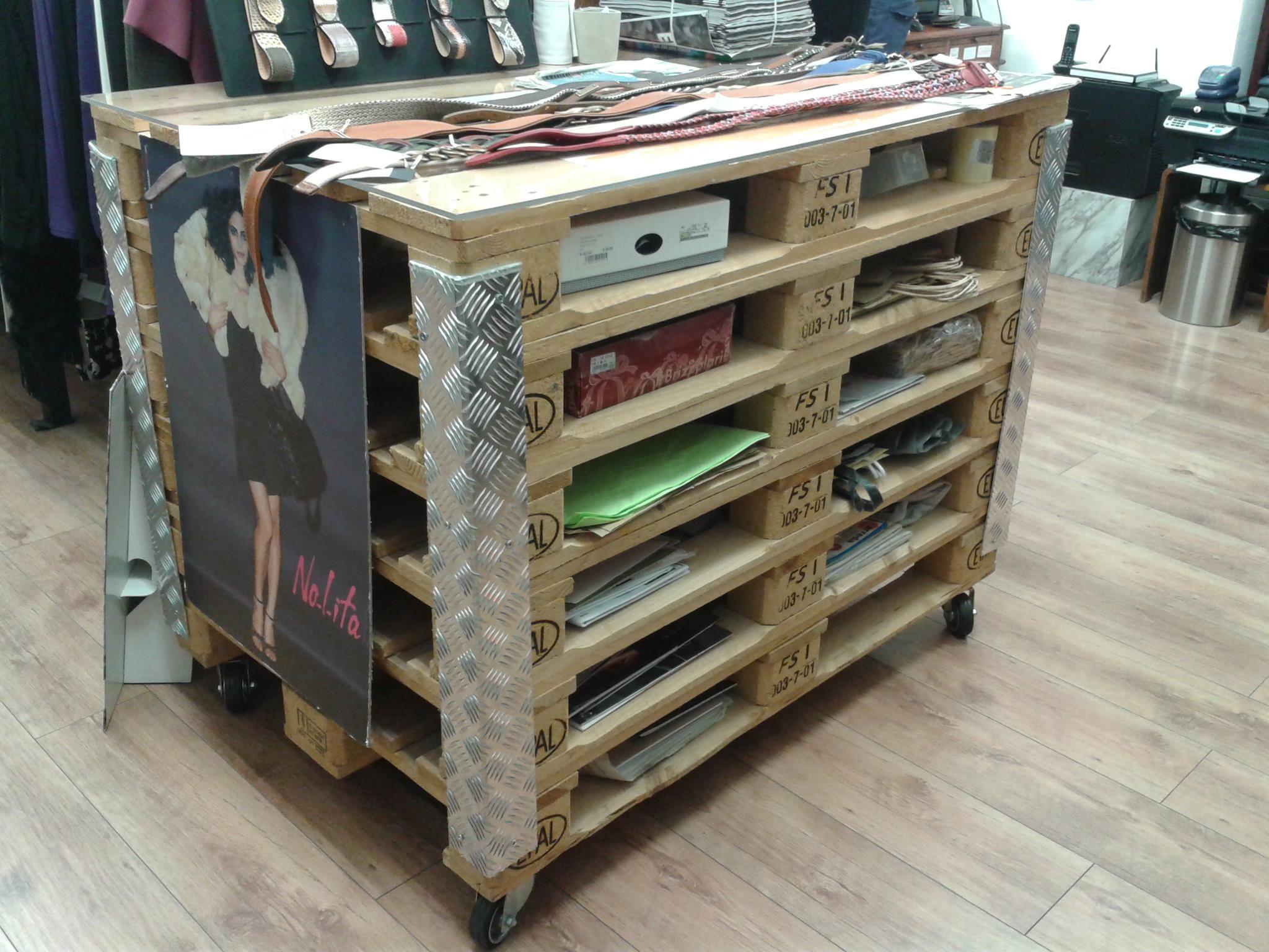 rangement palettes rangements pinterest palette rangement et atelier. Black Bedroom Furniture Sets. Home Design Ideas