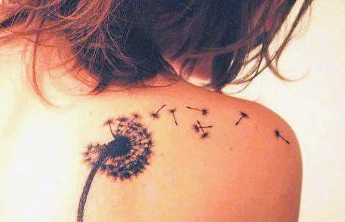 Tatuajes de diente de león - Los tatuajes de diente de león, a diferencia de la mayoría de los tatuajes que tienen diseños de flores o plantas, son en blanco y negro. Es difícil encontrar un tatuaje de diente de león …