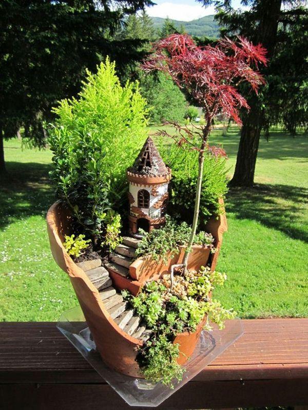 Pflanzgefäße Kaputt Diy Ideen Topfpflanzen Arrangieren | Garten ... Miniaturgarten Pflanzkubel Balkon