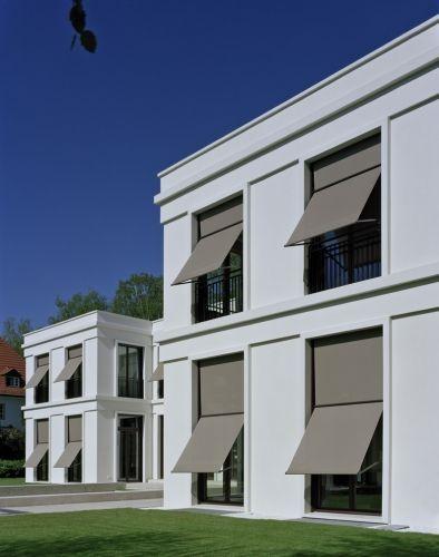 Garden facade of the villa vogelsang by hoehne architekten for Architecture facade villa