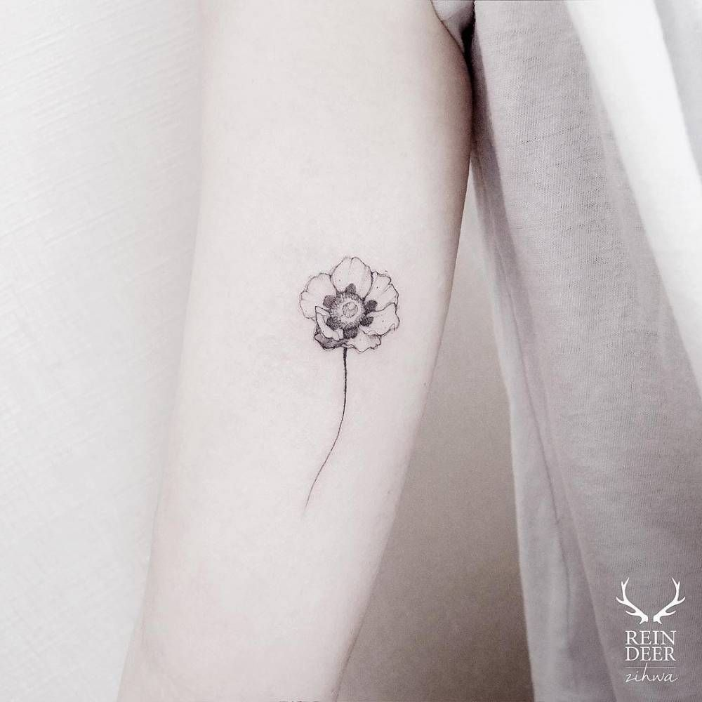 Inner arm tattoo of a poppy. Tattoo artist: Zihwa - Little Tattoos for Men and Women