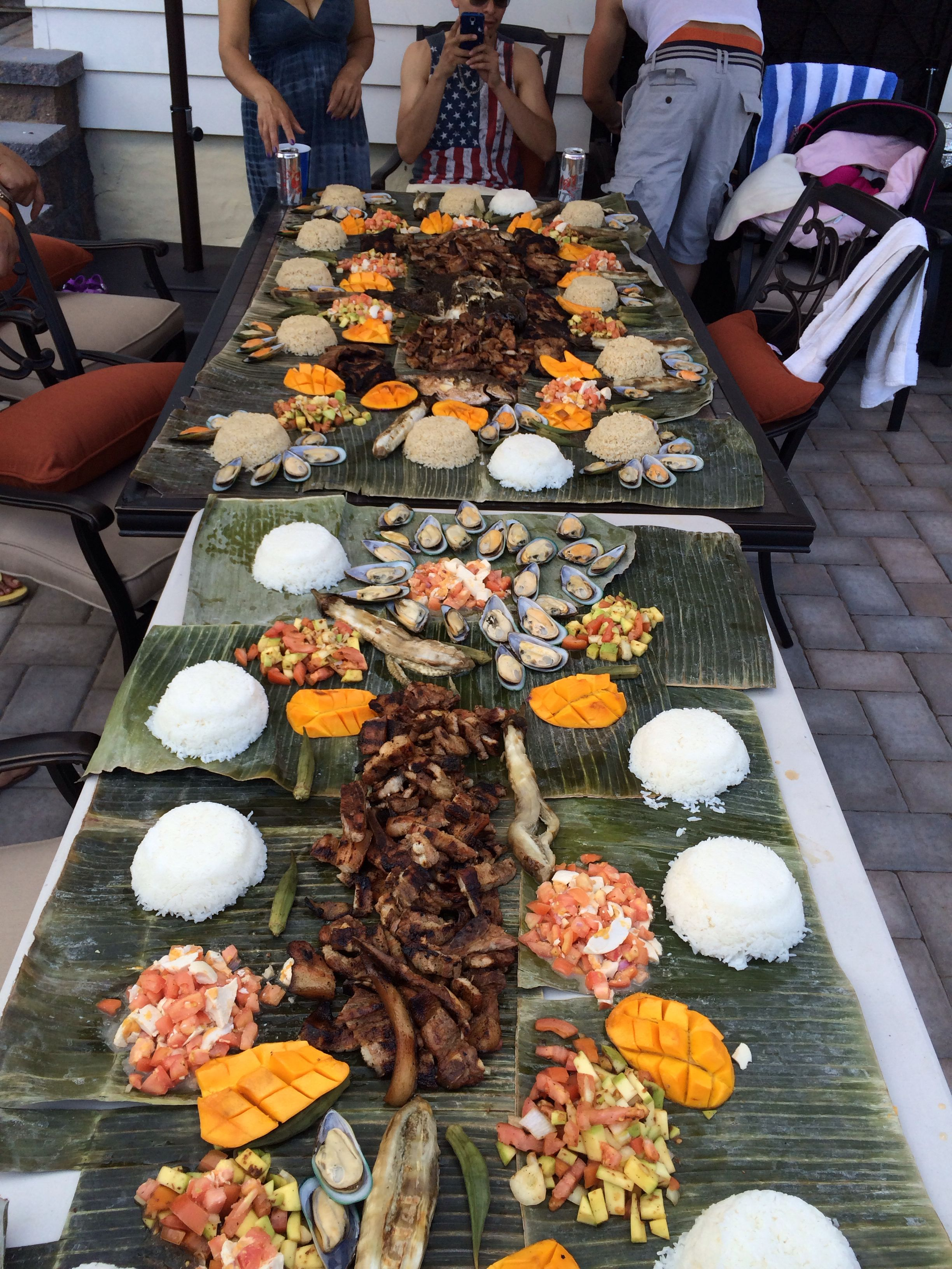 Kamayan pinoy style Filipino food party, Boodle fight