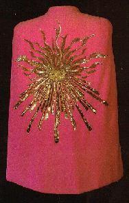 Schiaparelli cape. Lesage embroidery.