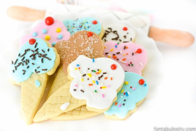 🌟️💙🌟 BEST SUGAR COOKIE RECIPE 🌟️💙🌟 These sugar cookies TASTE ah-mazing, and hold their shape after baking. The best of both worlds, really! Try some!! RECIPE HERE~~~>>>…