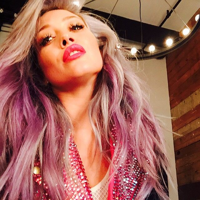 Hilary Duff Ditches Her Blue Hair For A New Bright Color Hair