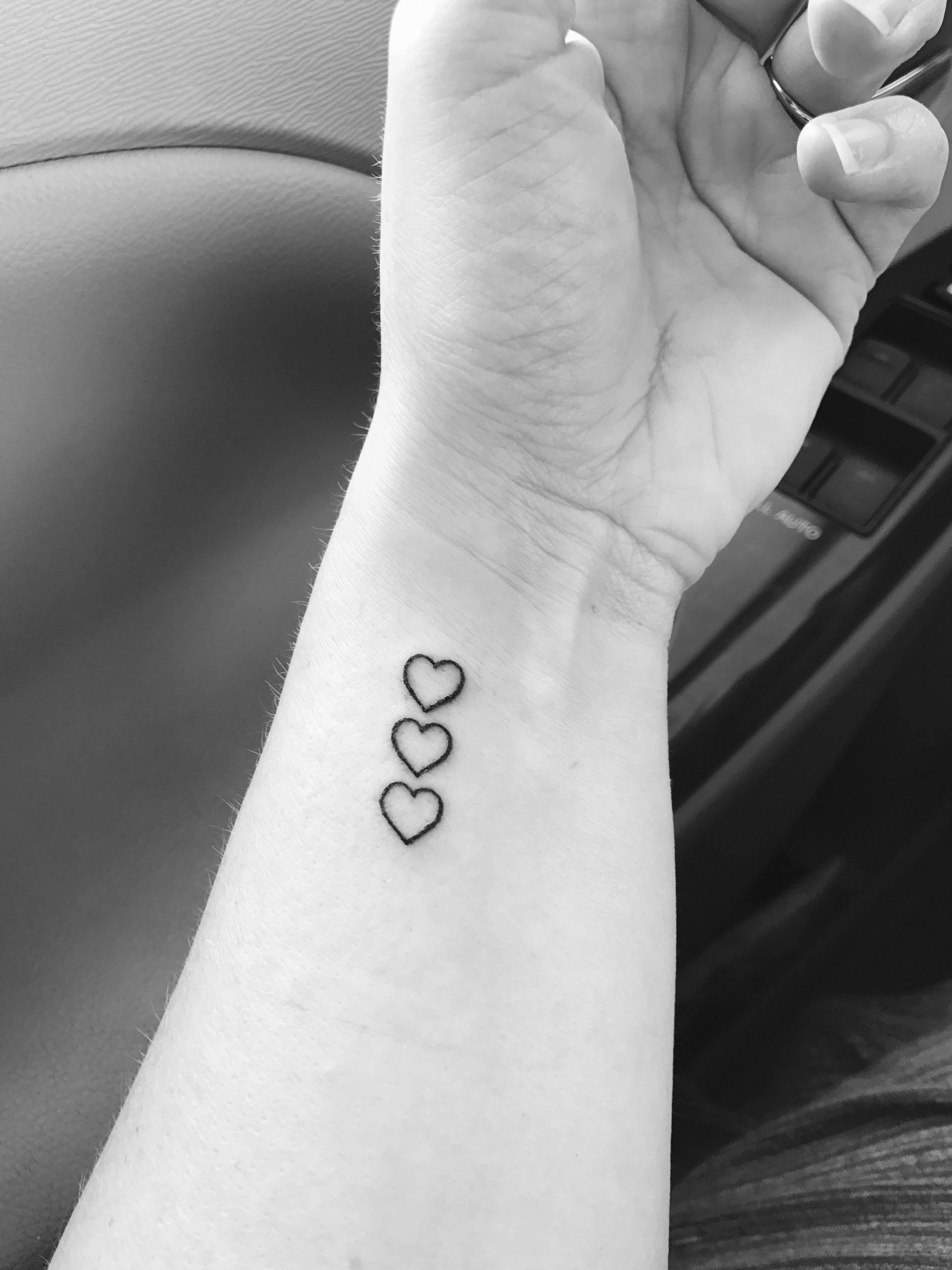 3 Hearts Tattoo : hearts, tattoo, Finally, Tattoo., Three, Hearts, Represent, Kids!, #Patterntattoos, Tattoos, Kids,, Tattoos,, Daughters