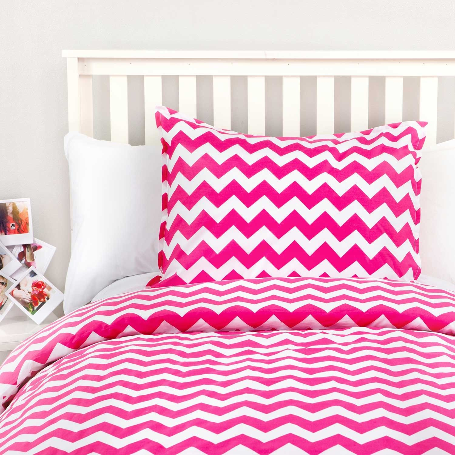Liv pinwheel reversible duvet cover and sham set duvet for Zig zag bedroom ideas