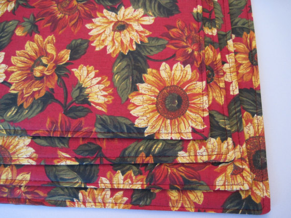 Sunflower Placemats Set Of 4 Or 6 Reversible Dark Red Placemats Red And Yellow Placemats Yellow Sunf Yellow Placemats Placemats Dark Red