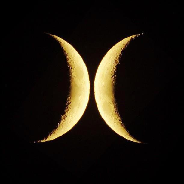 Hurley Wallpaper: Hurley Two Moon Phases