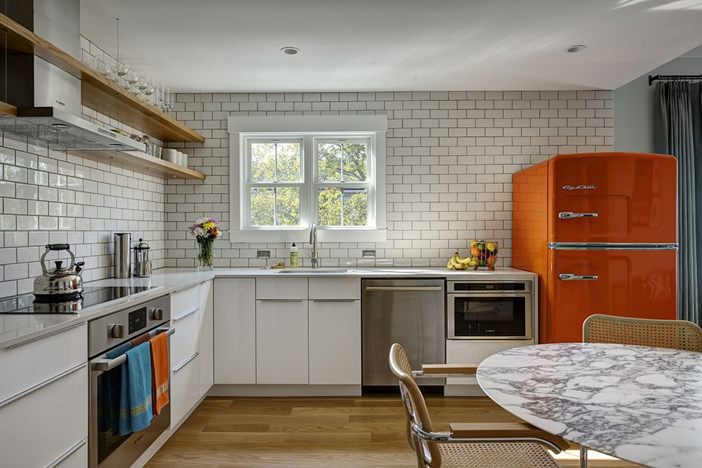 13 Must See Retro Big Chill Kitchen Layouts (With images ...