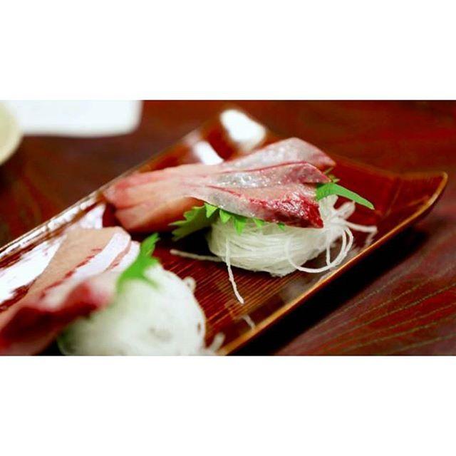 Sashimi 🍴 #japanfood #japanese #japan #tasty #tastyfood #delicious #eat #travel #travel✈️ #travelling #traveling #street #sashimi #like4likes #like4like #like4tags #like4follow #follow4follow #repost #instagood  Yummery - best recipes. Follow Us! #tastyfood