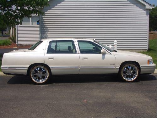 1999, Cadillac Deville Original Owner, No smoking. AC