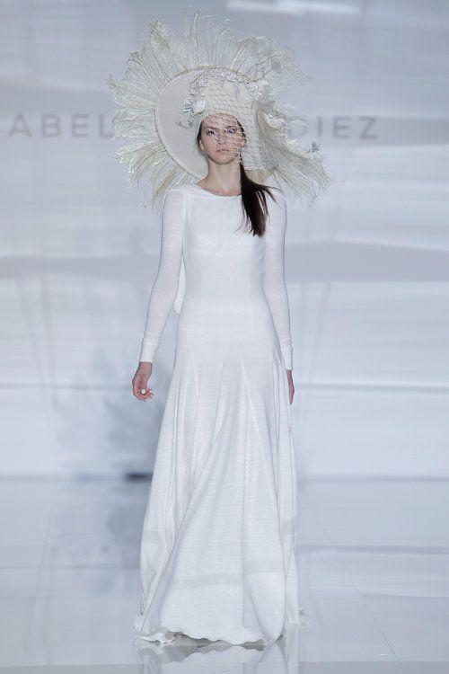 Vestidos de noiva minimalistas: simplicidade é o segredo da elegância!