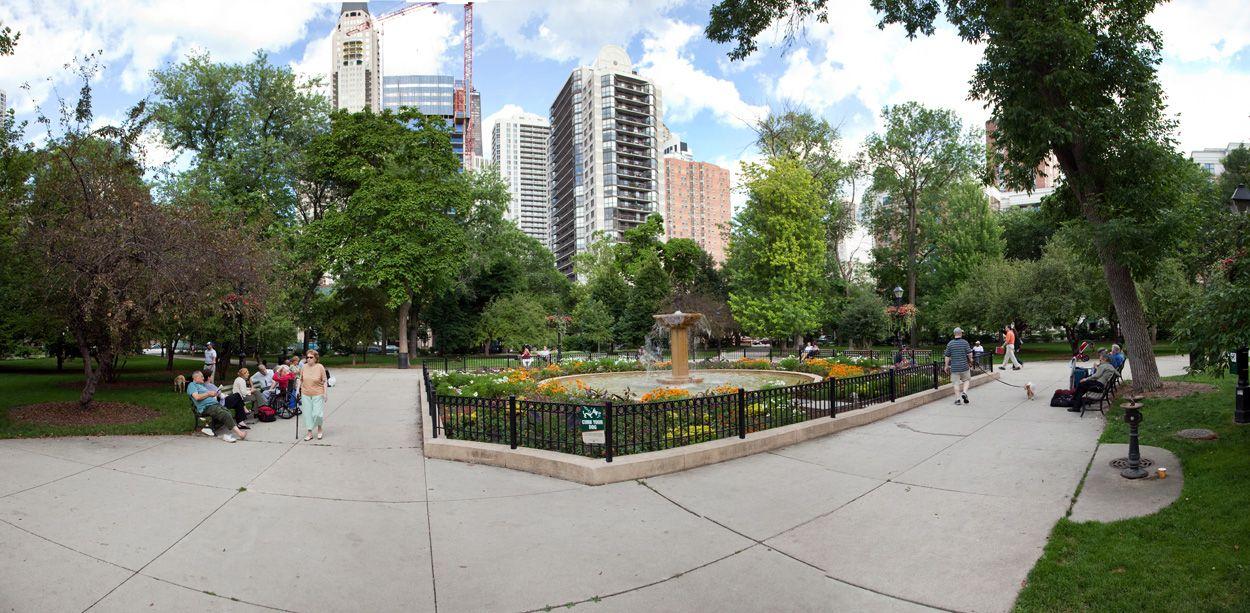 Washington Square Park Chicago Il Near North Downtown Washington Square Park Washington Square Chicago Park
