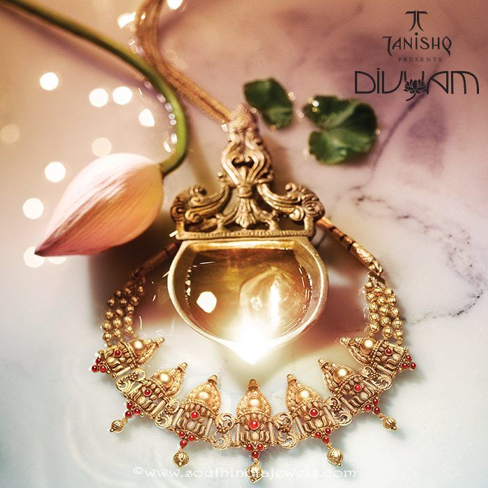 Gold temple jewellery necklace designs from Tanishq Divyam ...