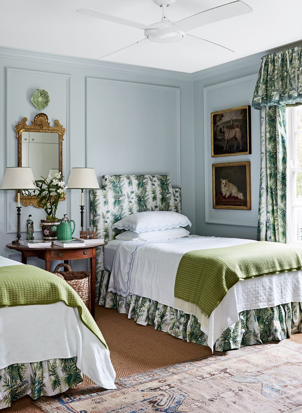 Tour an australian home that takes style cues from the manors of english countryside also what we loved this week in bedrooms closets pinterest rh