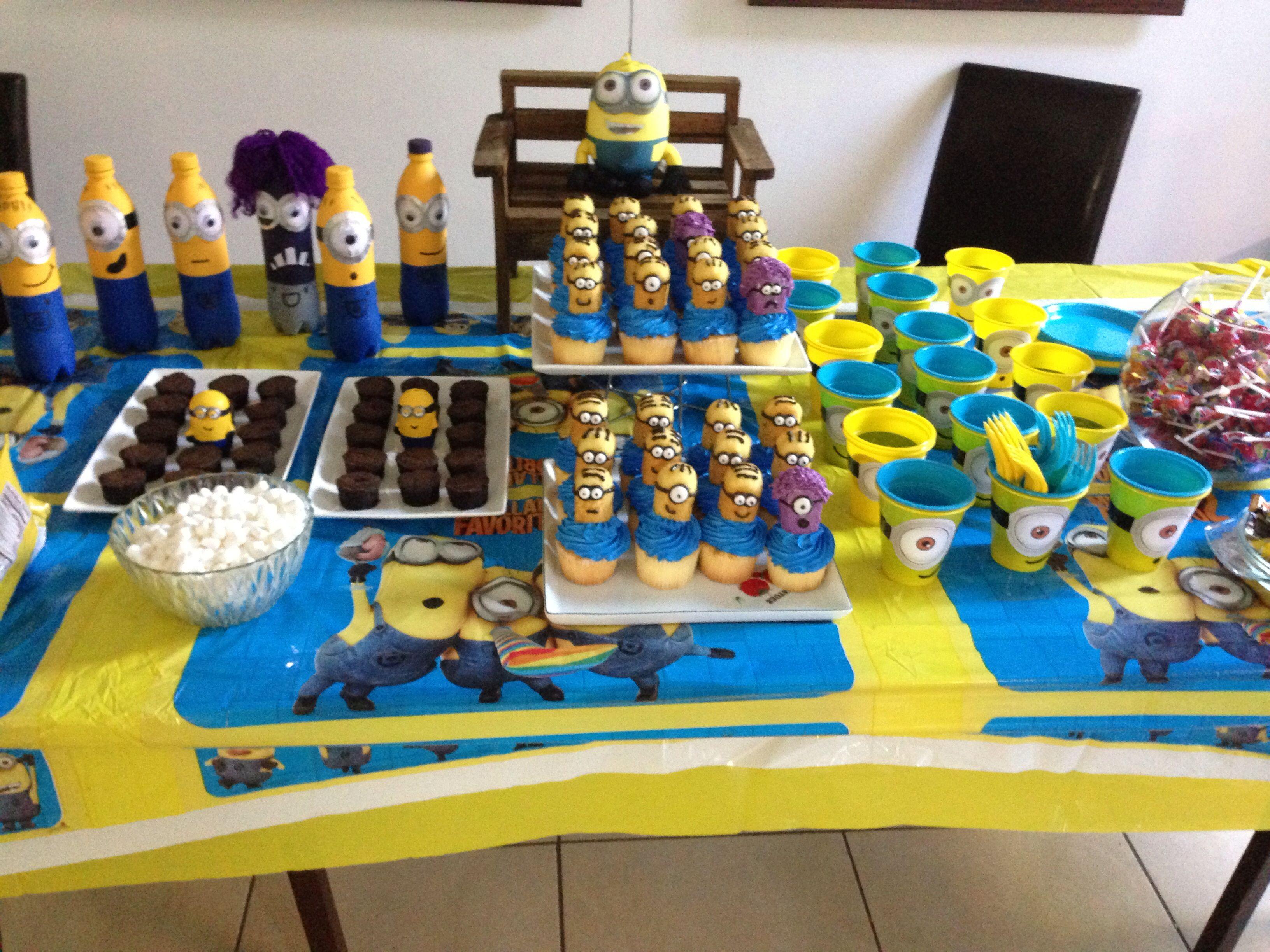 Fiesta minion con decoraci n hecha en casa minions - Decoracion hecha en casa ...
