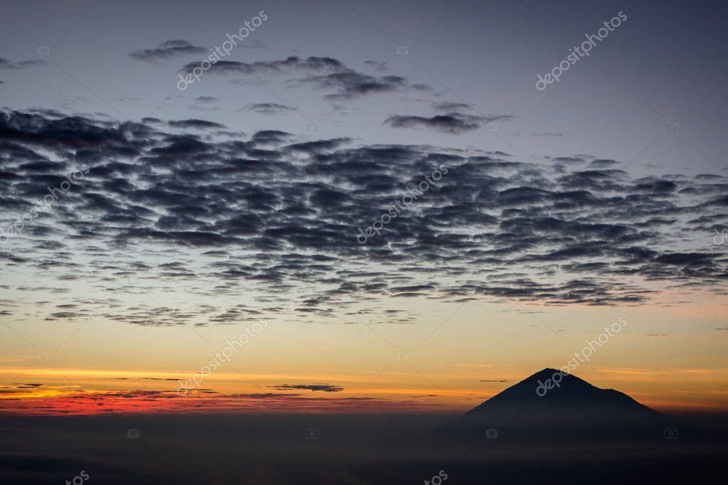 Warm Morning Sunrise On Ghober Hut Campsite With View Of Mount Cikuray Beautifu Sponsored Ghober Hut Sun Beautiful Landscapes Morning Sunrise Sunrise