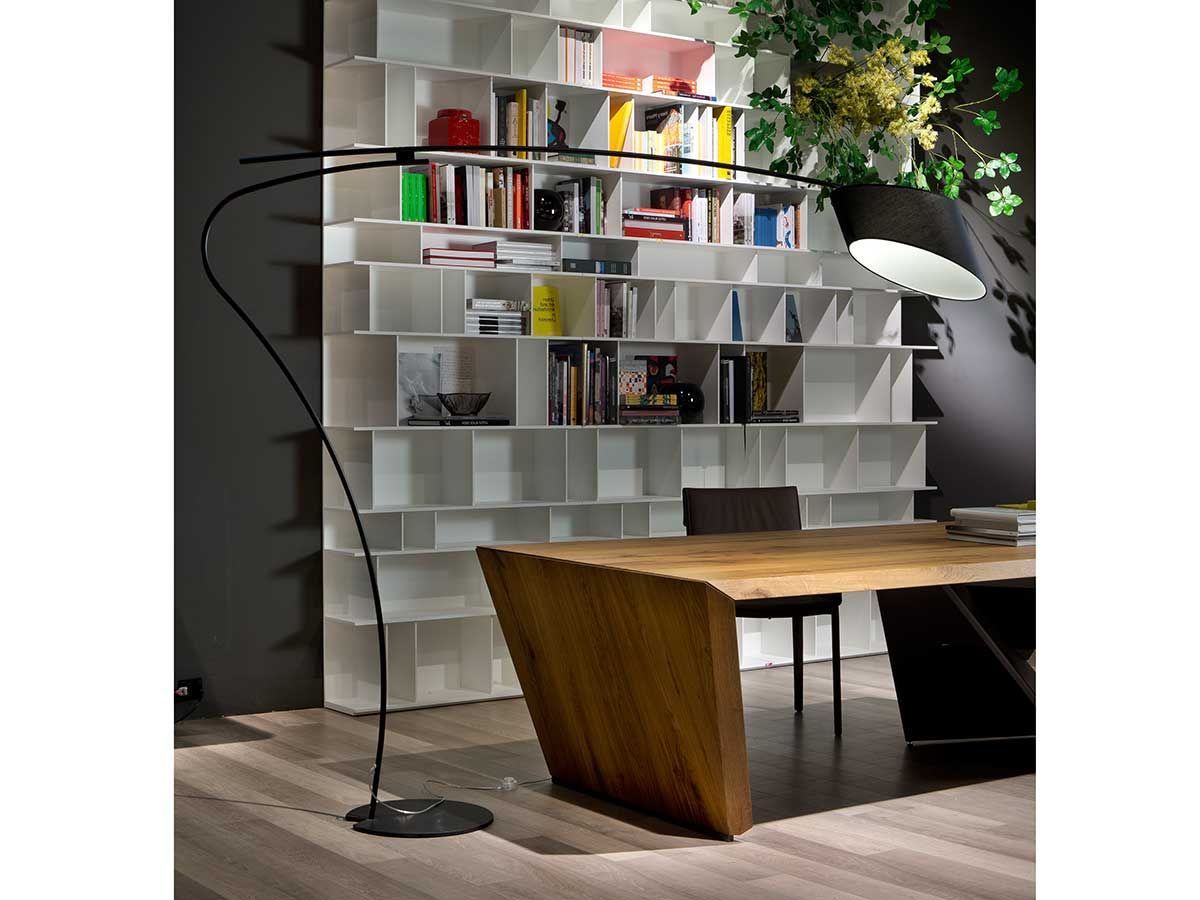 cattelan italia stehleuchte flag cattelan italia stehleuchten pinterest italienische. Black Bedroom Furniture Sets. Home Design Ideas