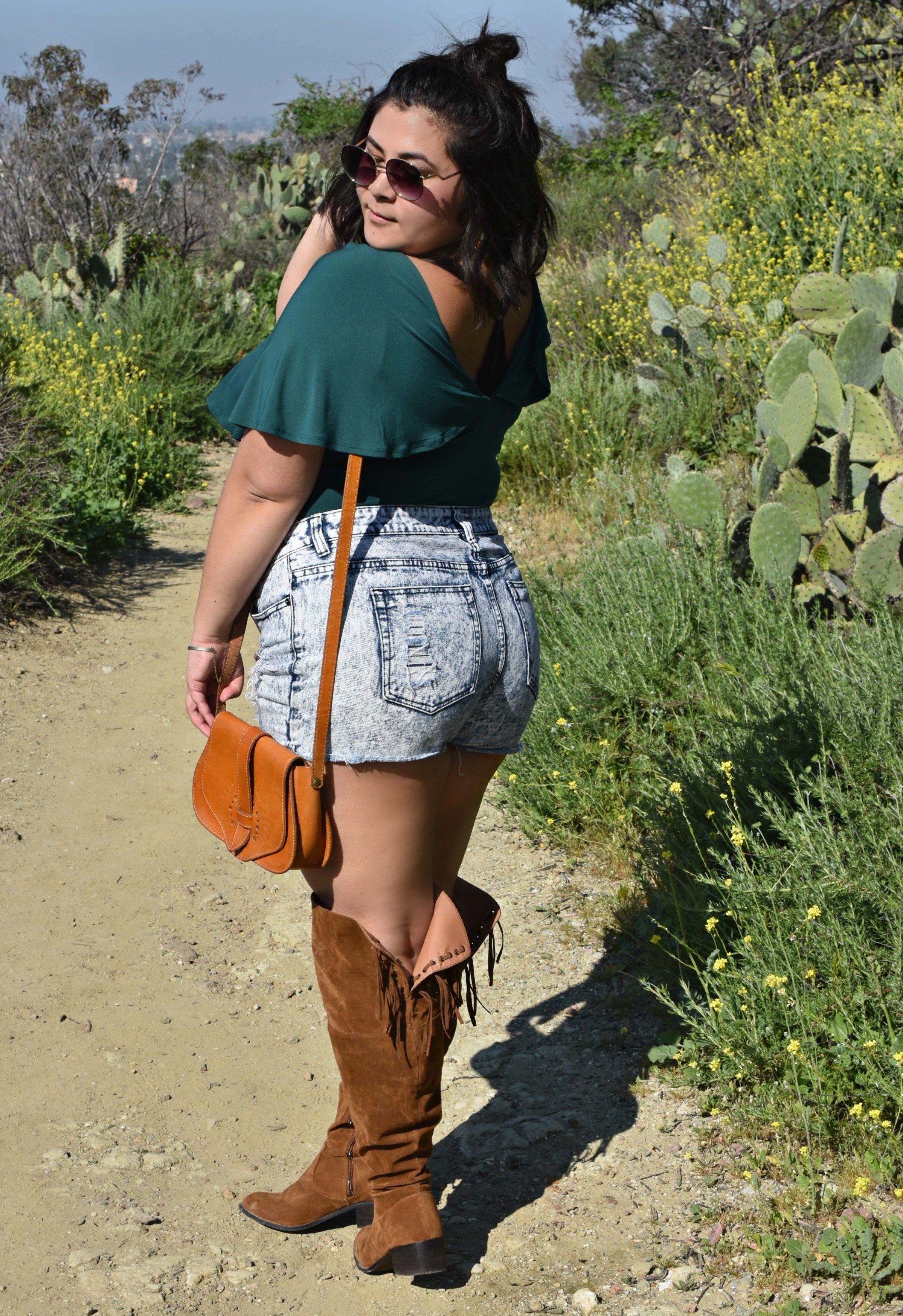 7c1d55ea38c Music festival outfit. Summer festival look. Coachella outfit idea. Coachella  outfit. Plus size coachella outfit. Plus size boho. Plus size bohemian.