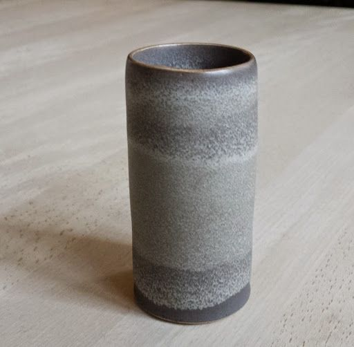 Den fineste lille vase fra Tortus Copenhagen. Sikkert ankommet hos mig i Sønderjylland :-) Smuk, smuk glasur!