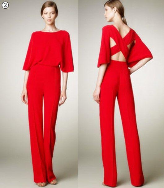 9f71d27e9e Mono rojo en crêpe de seda de Valentino 3.Mono de manga larga de Asos  4.Vestido tubo con largo bajo la rodilla