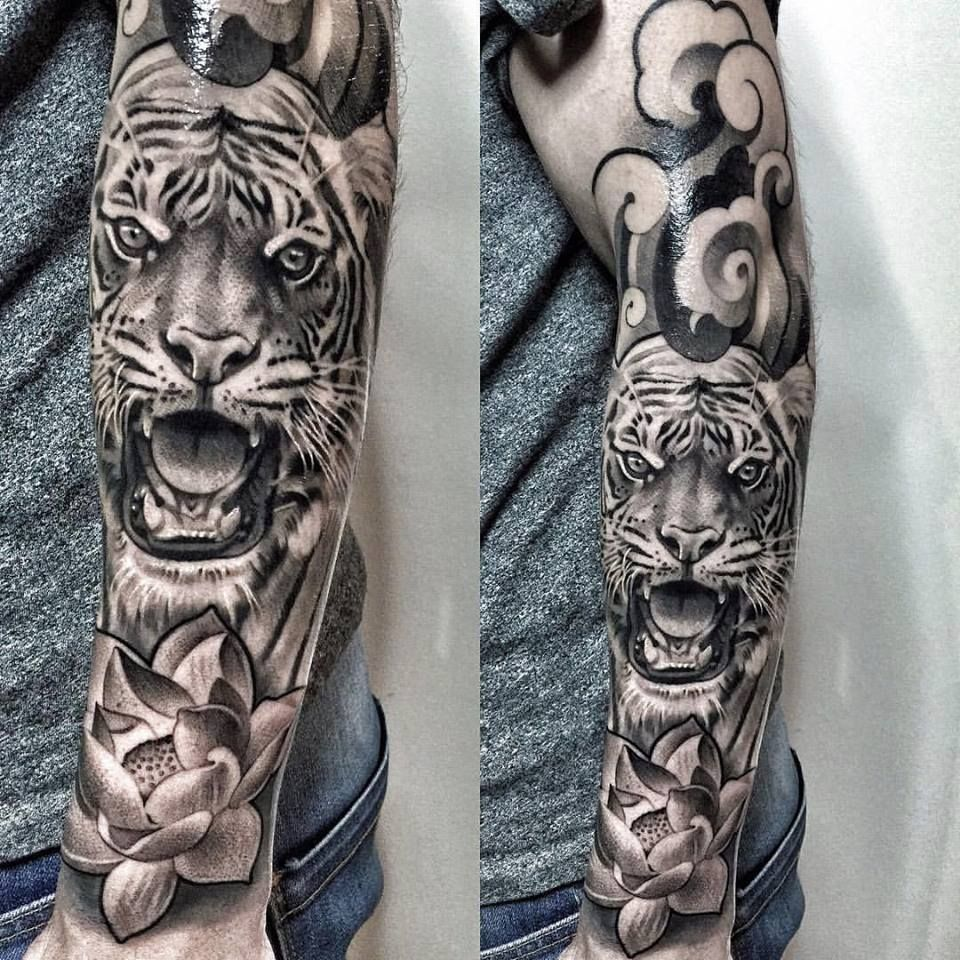 Japanese Kinda Style W Tiger Black And Grey Design Japanese Tiger Tattoo Tiger Tattoo Sleeve Tattoo Sleeve Men