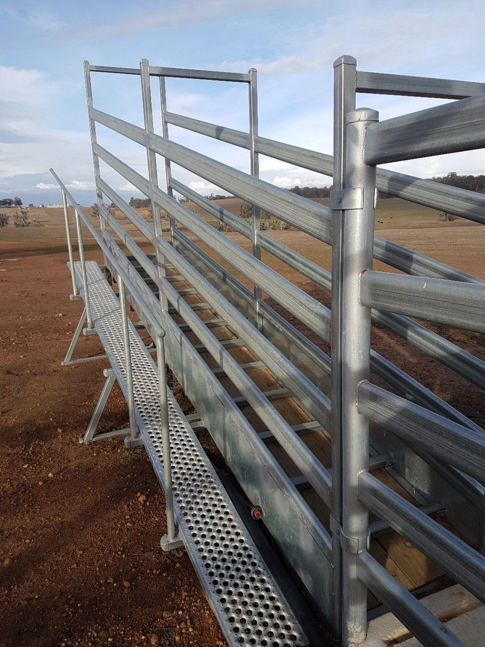 48m Cattle Ramp Gentle Load Angle Free Standing Or Can Be Made