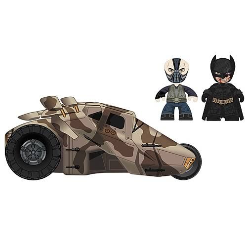 Mezco Toys Batman: The Dark Knight Rises: Bane and Battle Damaged Batman with Tumbler, 2-Pack