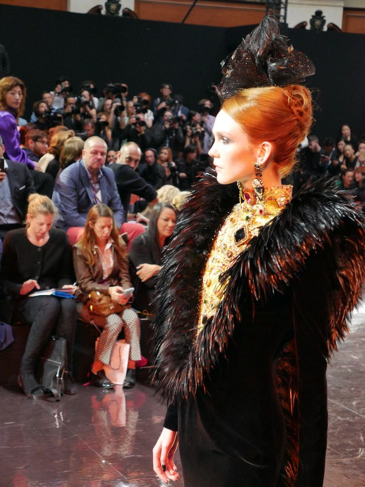 Guo Pei - Fall Winter 2016/17- Paris Haute Couture Week ©LuxuryTouch