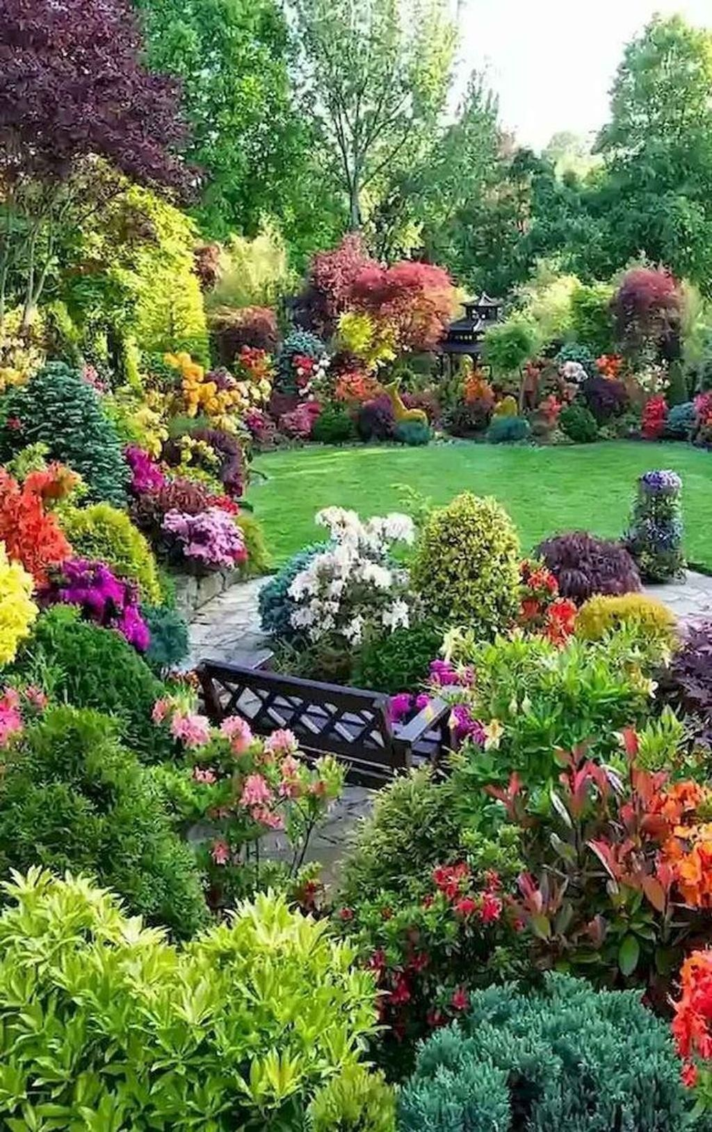 32 Lovely Flower Garden Design Ideas To Beautify Your Outdoor Front Yard Landscaping Design Beautiful Gardens Front Yard Landscaping