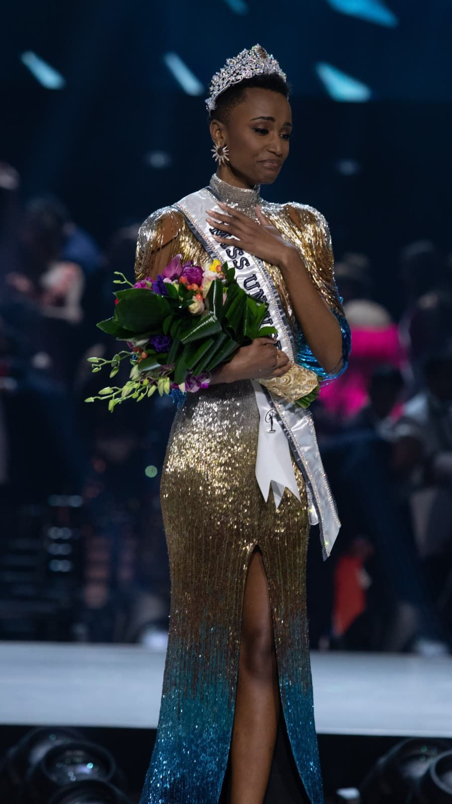 Zozibini Tunzi Miss South Africa 2019 Is Crowned Miss Universe 2019 In Atlanta Georgia In 2020 Pageant Life Pageant Celebrities Female