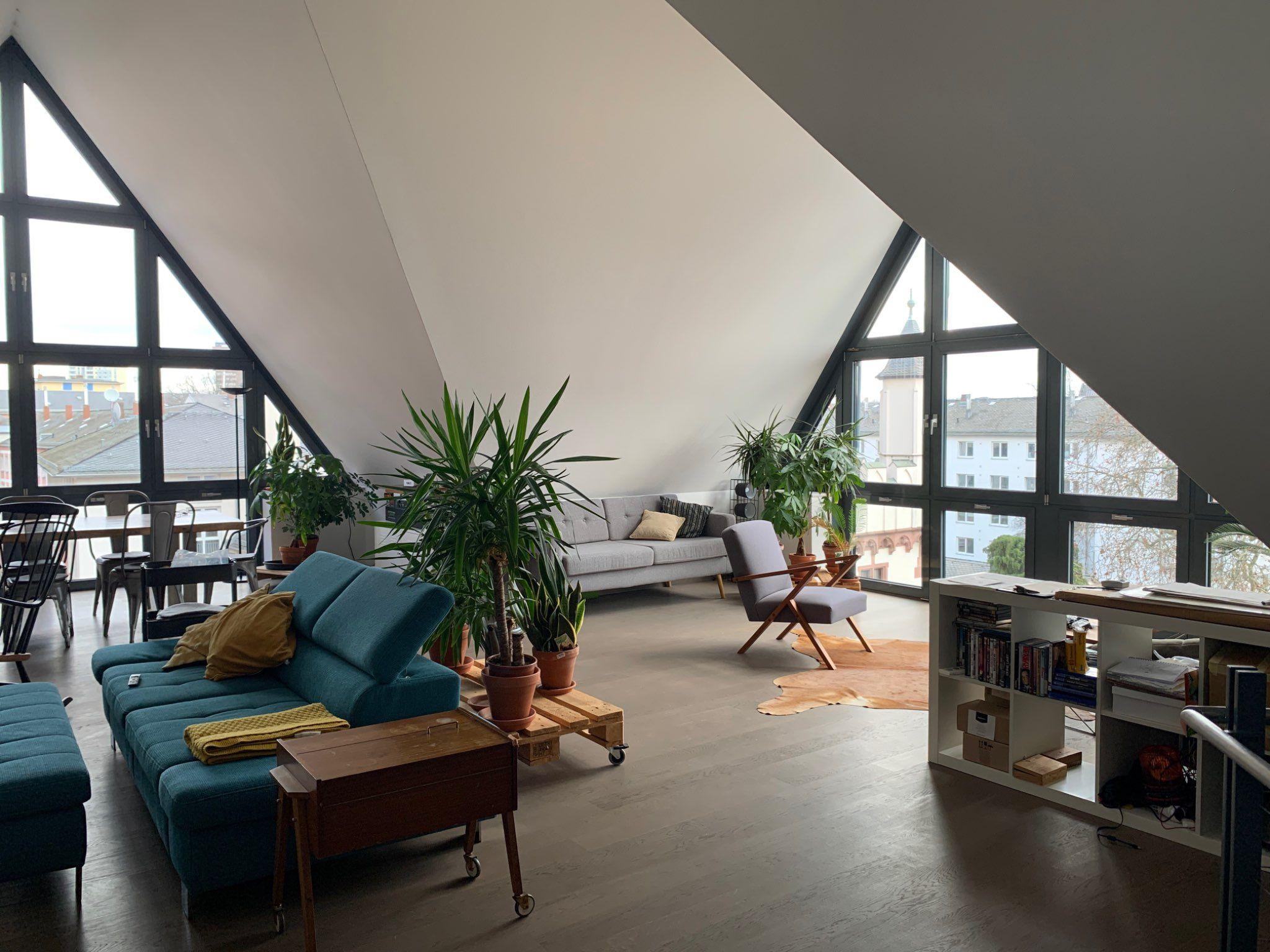 Offenes Wohnzimmer Im Modernen Design In 2020 Offenes Wohnzimmer Modernes Design Wohnzimmer