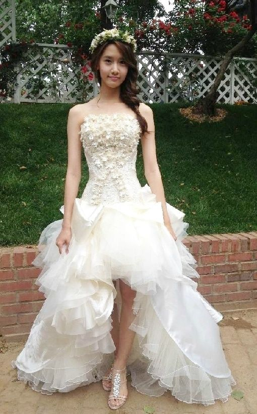 wedding dresses for young brides | The young and beautiful brides in ...
