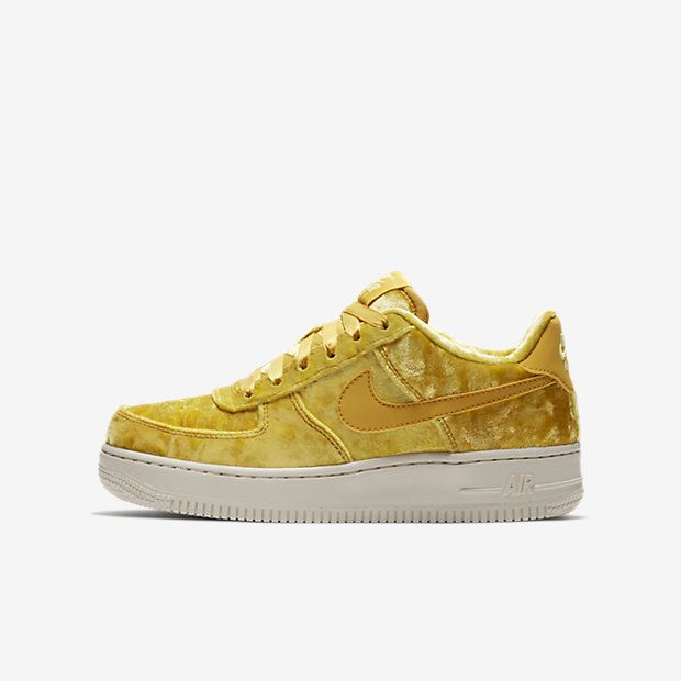 nike air force 1 lv8 velvet shoe yellowing