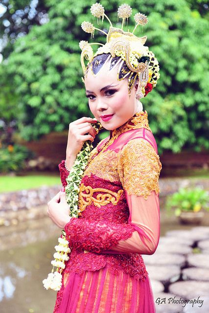 Hot Celebrity Bollywood: Meenakshi Hot Tamil Actress Cute
