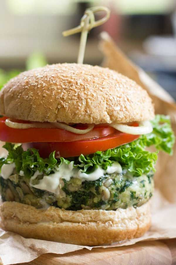 GARLICKY KALE BURGERS - These satisfying vegan kale burgers are made with a flavorful mixture of wh